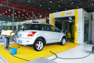 Trung Quốc Yellow Tunnel Car Wash System Brushed With Pneumatic Control System nhà cung cấp